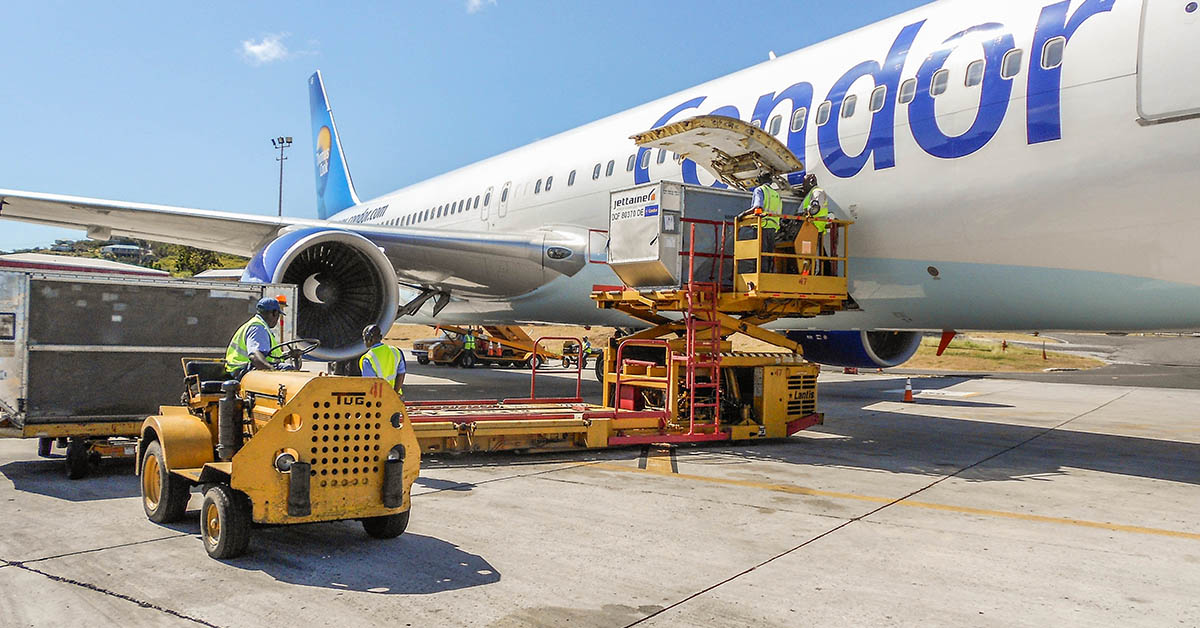 Loading containers onto a B767